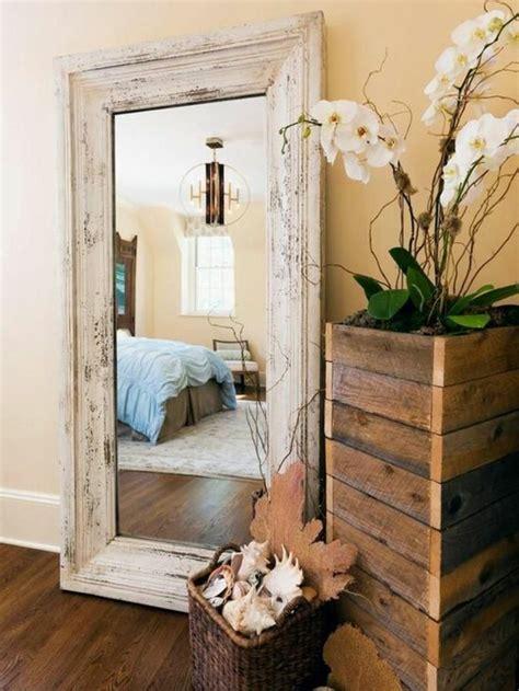 miroir mural chambre le miroir mural grande taille accessoire pratique et
