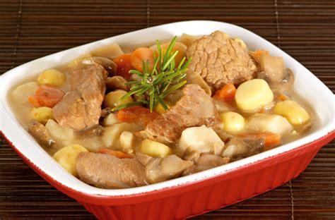 cuisiner la blanquette de veau blanquette de veau veal stew in white sauce tastes of the
