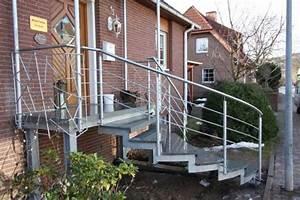 Geländer Für Treppe : treppe gel nder und vordach ~ Markanthonyermac.com Haus und Dekorationen