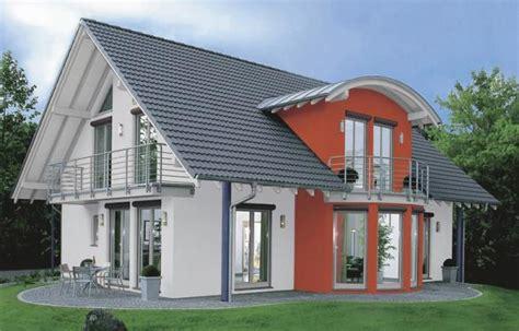 Häuser Farben Beispiele by Elewacje Farba Akrylowa Czy Silikonowa Rynekfarb Pl