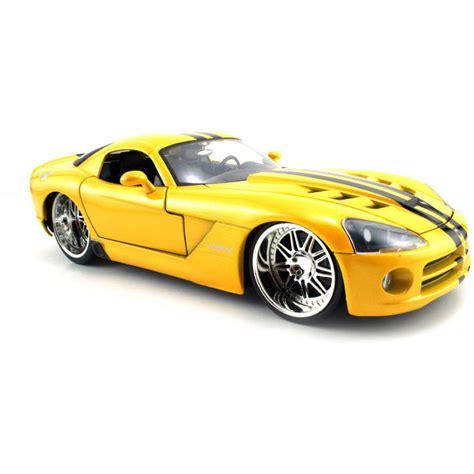 24 Scale 2008 Dodge Viper Classic Man Racing Car
