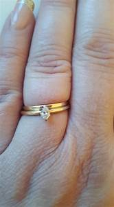 17 women who don39t care what you think about their 39tiny for Tiny wedding ring