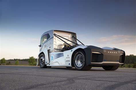 volvo iron knight   fastest truck   world