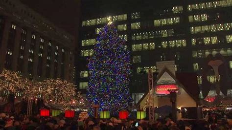city of chicago accepting official christmas tree