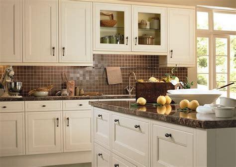 kitchen cabinets white and brown няколко идеи за не толкова скучни бели кухни 8159