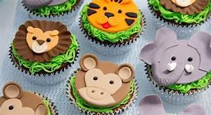 Muffins und Cupcakes kleine Kuchen mit großen