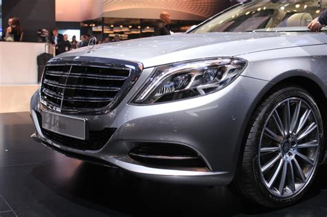 Our coverage is from auto and moto s. 2015 Mercedes-Benz S600 Brings V-12 Power To Detroit