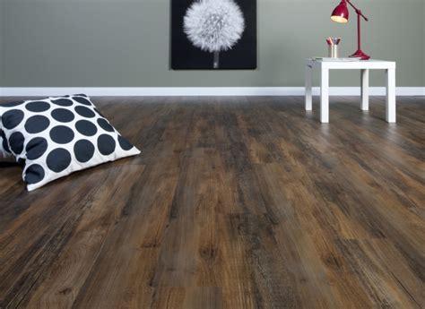 ite vinyl flooring home decorating ideas vinyl bodenbelag verlegen was sie 252 ber den vinyl boden 26 w