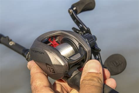 guide  selecting   fishing reel types
