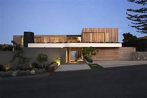 Wooden facade: Modern house design by SAOTA - Architecture