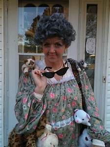 Love this crazy cat lady costume! | Costumes | Pinterest