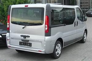 Dimension Opel Vivaro : file opel vivaro combi facelift rear jpg wikimedia commons ~ Gottalentnigeria.com Avis de Voitures