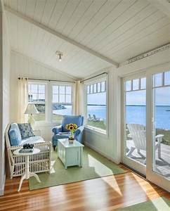 Small, Beach, Cottage, With, Inspiring, Coastal, Interiors