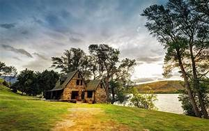 Lake Stone House Tree Garden With Green Grass New Zealand ...