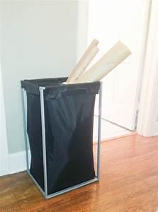 Bac A Linge Ikea : une table d 39 appoint partir d 39 un panier linge ~ Teatrodelosmanantiales.com Idées de Décoration