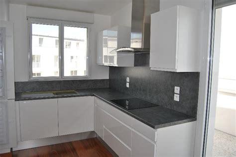 cuisine blanche grise cuisine blanc gris cuisine meubles couleur ivoire et