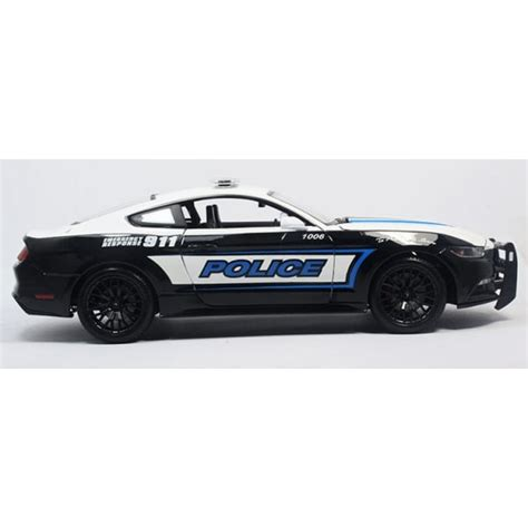 1 18 police car with maisto ford mustang gt police car 1 18 scale diecast car