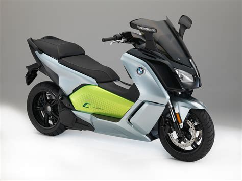 Bmw Electric Motorcycle by Bmw S Electric Scoot Gets 100 Mile Range Visordown