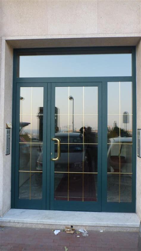 porte d ingresso in alluminio e vetro porte da esterno in vetro antisfondamento con portoncini d