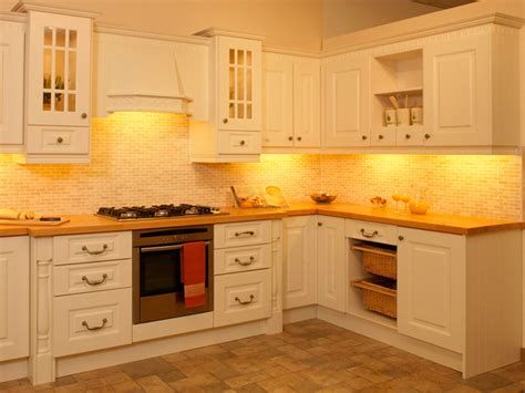 Kitchen Cabinet Accent Lighting Ideas by Kitchen Accent Lighting Ideas Inspiring Kitchen Lighting