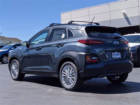 See cars from 4165 mm to 4180 mm long and 1800 mm to 1801 mm wide. New 2021 Hyundai Kona SEL AWD 4D Sport Utility