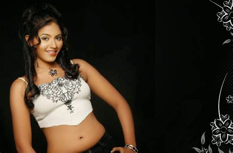 Tamil Actress Wallpapers Free Download (41 Wallpapers