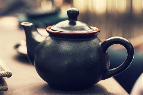 Difference between a Teapot, Electric Kettle and Tea Pot