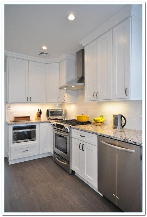 white shaker style kitchen cabinets shaker style kitchen