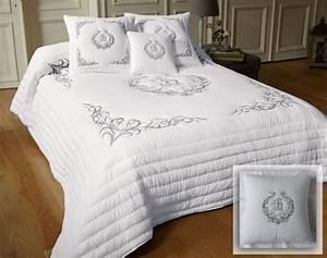 Dessus De Lit Boutis Eurodif : boutis couvre lit dessus de lit jet de lit becquet ~ Teatrodelosmanantiales.com Idées de Décoration