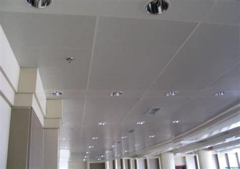acoustique plafond plafond acoustique perfor 233 en m 233 tal plafond acoustique