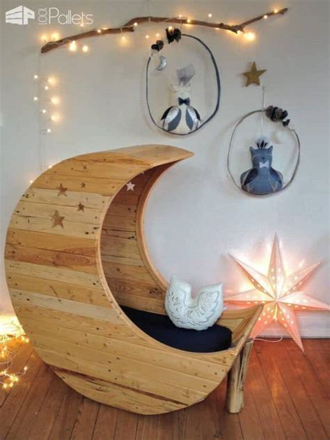 Moon Cradle Made Out of Wooden Pallets ? 1001 Pallets