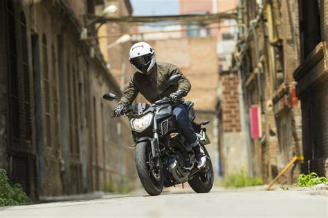 yamaha mt   ride review visordown