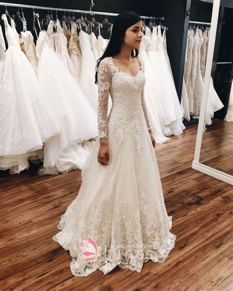 Elegant Long Sleeve Sweetheart Ivory Lace And Tulle Spring