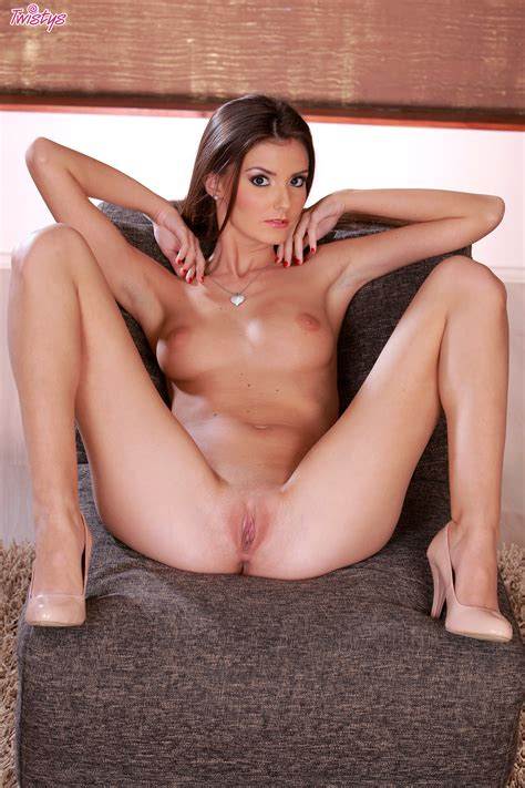 Slim Brunette Is Amazing As She Poses Her Nude Forms In