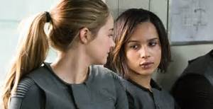 Tris and Christina jump out of a train in new 'Divergent ...