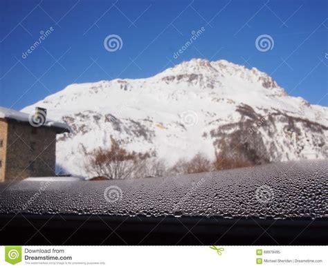 Wasser Kondensiert Am Fenster by Fenster Kondensation In Den Alpen Stockfoto Bild 68979495