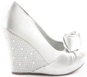 silver wedge bridesmaid shoes silver wedge bridesmaid shoes with bow ipunya