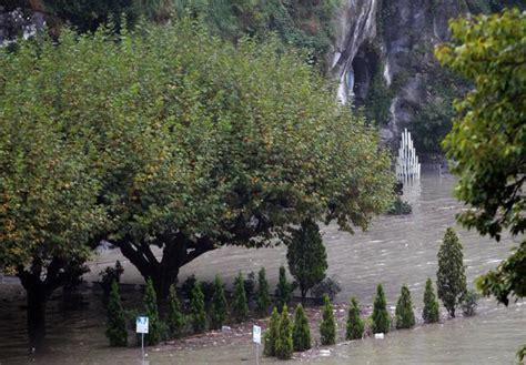 emergenza maltempo  francia  piogge torrenziali