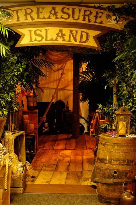 Treasure Island Thimbleanna