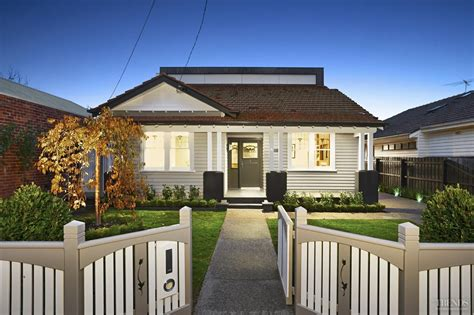 Built In 1928, This California Bungalow Retains Its