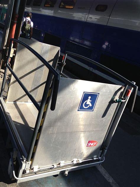 file 201 l 233 vateur pour fauteuil roulant sncf jpg