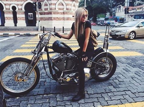 25+ Best Ideas About Women Riding Motorcycles On Pinterest