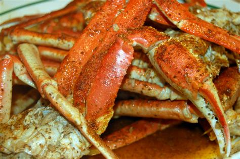 snow crab legs recipe snow crab legs in garlic butter beer sauce souffle bombay