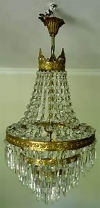 Lustre Pampilles Cristal : lustre montgolfiere ancien cage en bronze dor et pampilles de cristal ~ Teatrodelosmanantiales.com Idées de Décoration