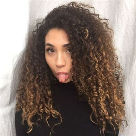 hairstyle ideas  long curly haired ladies hair