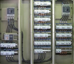 Tableau électrique Triphasé Legrand : electricit domotique achat electronique ~ Edinachiropracticcenter.com Idées de Décoration