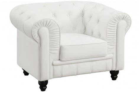 fauteuil chesterfield cuir blanc fauteuils classiques