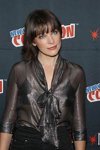 Milla Jovovich - 'Resident Evil: The Final Chapter' Panel ...