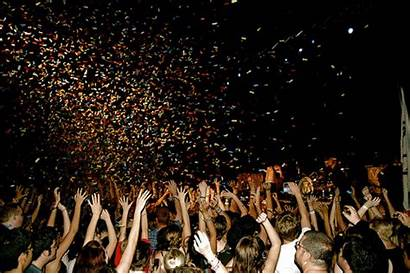 Amigas Crowd Concert Tipos Girly Why Fiesta