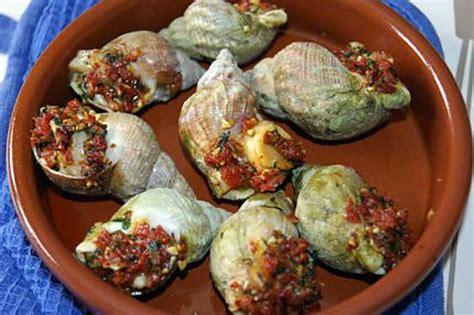 cuisiner les bulots recette de bulots gratinés au beurre persillé au chorizo